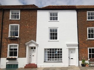 7 Alfred Square - A beautiful period deal coastal holiday home