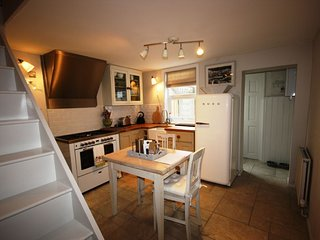 Lapwing Cottage - A very pretty coastal 2 bedroom cottage in Walmer, Deal.