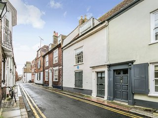 8 Middle Street - Superb Grade II listed holiday home in the Conservation area i