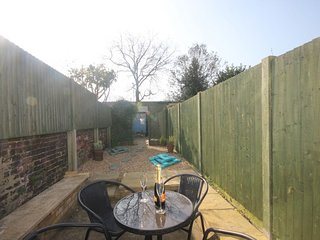 Rose Cottage, Deal - Delightfully quaint holiday cottage close the the shops and