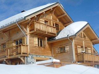Profitez d'une Vue Sur Les Montagnes   Chalet de Ski + Piscine Privée