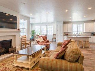 Lehi Home 874 W 2750 N Game Room, Private Deck, Children's Park Across Street, E