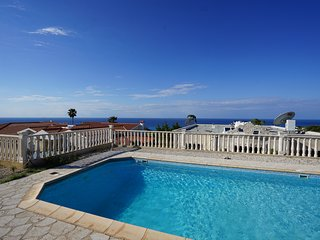 Comfortable seaview villa with private pool for a great price!