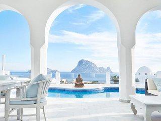 Cala Vadella Villa Sleeps 7 with Pool and Air Con - 5049312
