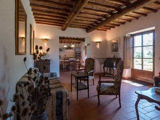 Casa Crete Senesi- Appartamento MORA nel Podere di Sant'Antonio
