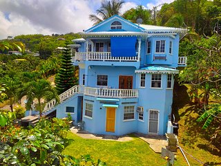 GreenzCove Apartments - Charming Apt1, nature haven, near city w/ sea view