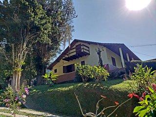 Casa da Lita com muito verde em Lumiar