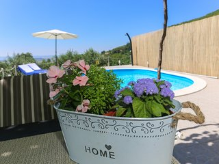 Holiday house with pool and sea view 'APARTMAN RUPOTINA'