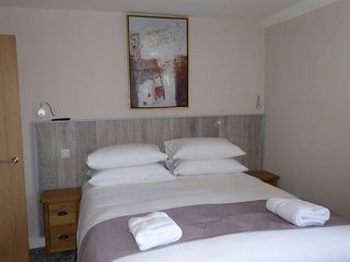 Rooms*73 Waterlooville Rm7