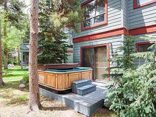 FREE SkyCard Activities - Beautiful Townhome, Hot Tub, Close To Town - Pine