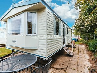 6 berth caravan for hire at Broadland Sands in Suffolk ref 20043BS