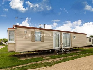 . 6 berth dog friendly caravan for hire along the Suffolk coast ref 20067BS