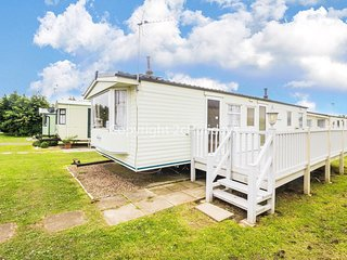 8 berth caravan for hire with decking Manor park, Hunstanton, Norfolk ref 23069
