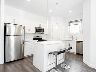 Beautiful 2 Bedroom in Trendy Winnipeg Neighbourhood