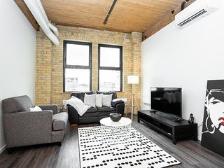 Character-Rich Studio Loft In The Exchange District