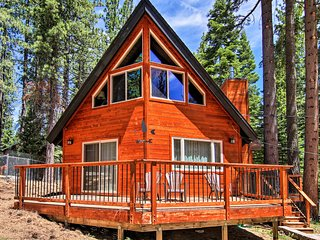 South Lake Tahoe Cabin Near Heavenly & Casinos!
