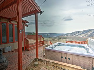 Home w/Hot Tub & Views, 2 Min to Swain Resort