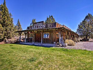 NEW-Rustic Ranch Cottage w/Trails, 30 Mins to Bend