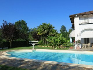 Crocetta Apartment Sleeps 7 with Pool and Free WiFi - 5715520