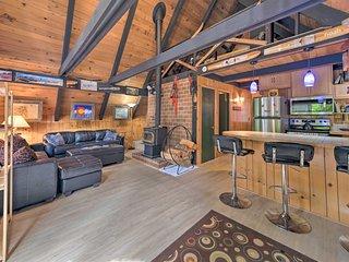 NEW! Rustic Skykomish Cabin Near Stevens Pass Mtn!