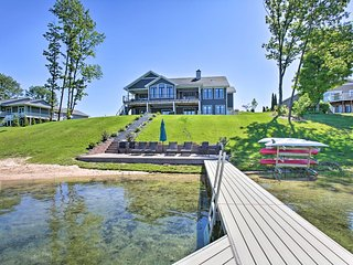Waterfront Silver Lake Home w/ Private 40' Dock!