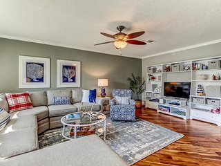2 Blocks to Beach-Fernandina Shores-Better at Gone Coastal!