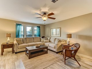 Simply Better - 3 King Beds - Pet Friendly - Walk to Beach