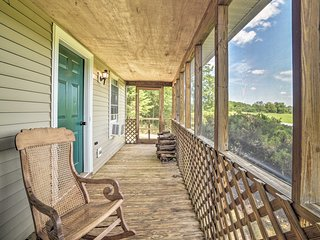 NEW-Rixeyville Cottage w/Deck & Overnight Stabling