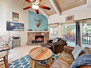 Charming 3-Story Condo w/ Fireplace & Balcony - Near Ski Resorts & Beaches
