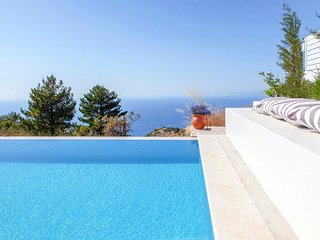 Early Bird Offer:Brand New Villa with stunning views and private pool in Lefkada