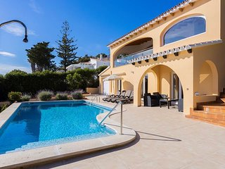 3 bedroom Apartment with Pool, Air Con and WiFi - 5333886
