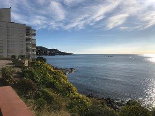 M2D- Precioso apartamento primera linea de mar con vistas