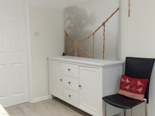 Self-Contained Modern Studio Close to Town Centre