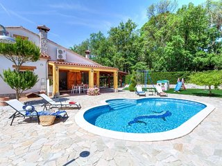 5 bedroom Villa with Pool and WiFi - 5699103