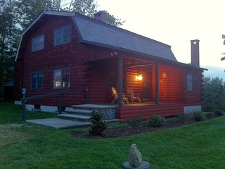 Log Home Overlooking Black Mountain - Storyland Minutes Away Dogs Welcome