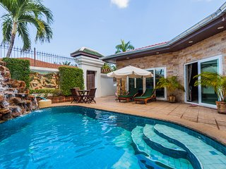 Gorgeous 3 Bed View Talay Villa