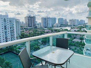 Sunny Isles Ocean Reserve 15th floor by AmmosFL