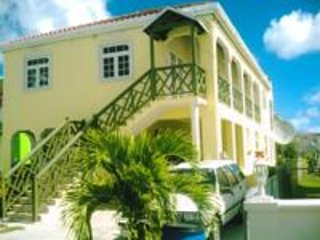 Nicolodge Apartments, holiday rental in Oistins