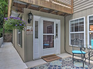 NEW! Fairview Apartment w/Deck 9.5 Mi to Asheville