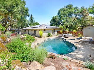 Sonoma Vineyard Estate with 3 Bedrooms and Pool