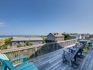 Gorgeous views, direct beach access, 4 bedroom w/ 2.5 baths, hot tub, kayak