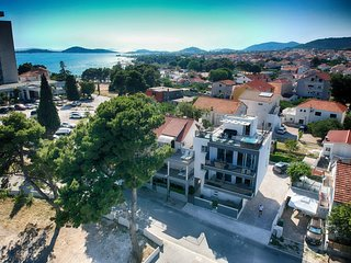 Delux apartment,sea view,pool,gym,by the beach-Seaside villa,top location,Vodice