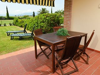 Podere Cernaia Apartment Sleeps 4 with Pool Air Con and Free WiFi - 5055865