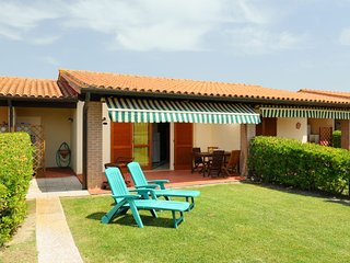 Podere Cernaia Apartment Sleeps 4 with Pool Air Con and WiFi - 5055864