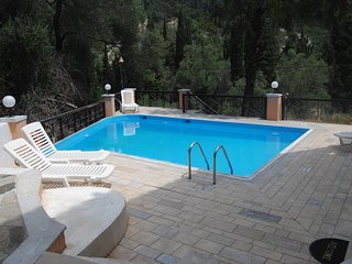 Quiet apartment with pool. Near the beach. 4per