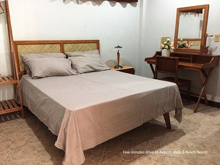 Happy Trip Guesthouse beautiful and affordable private room 18 min. to Airport