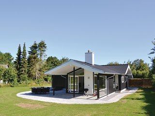 Awesome home in Gilleleje w/ WiFi and 3 Bedrooms (G4520)