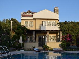 Villa Ana II - 3 Bedroom Villa with Pool and WIFI
