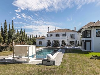 Villa on San Roque Golf Course Sotogrande with private Pool close to the beach