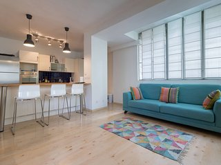 German Colony Apartment Sleeps 4 with Air Con and WiFi - 5809144